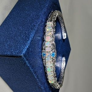 Jewelry - Welo Opal with Neon Apatite accents Bracelet